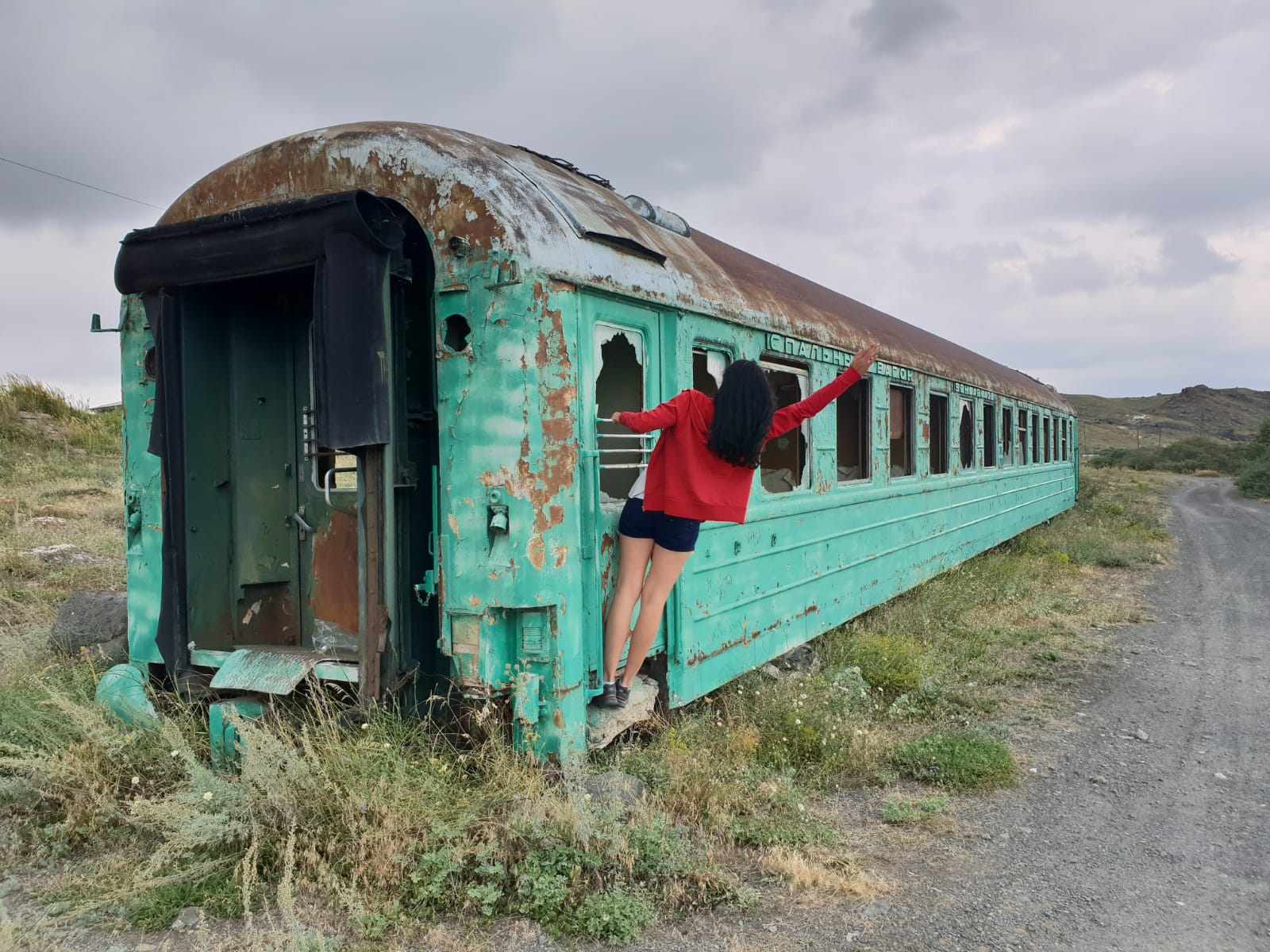 Armenia - Jezioro Sevan, opuszczony pociąg