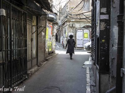 Mea Shearim – far away from reality, Girl off the trail!